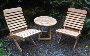 Woodworker Ian Balsillie's handcrafted rendezvous chairs & folding table