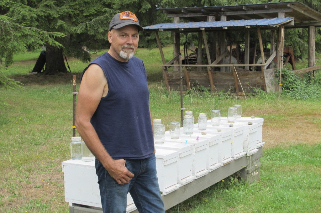 Beekeeper Jay Smith (Timberline Bees, Arlington) and nucleus hives